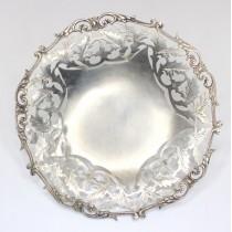 Delicata fructiera egipteana - manufactura in argint - cca 1950