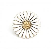 Delicata brosa scandinava - Marguerite Daisy -argint aurit & emailat - atelier Anton Michelsen