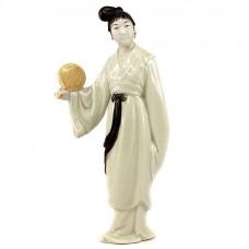 Rafinată statuetă din porțelan, în stil Jingdezhen | Curtezană | China cca.1970