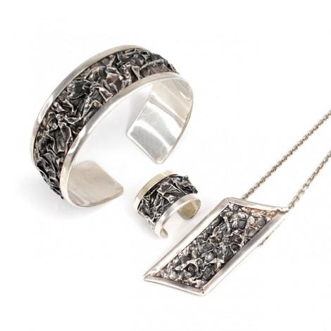 SET statement : Bijuterii în stil brutalist | brățară, colier și inel | argint patinat | Thailanda