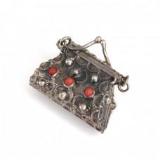 Inedit pandant locket stilizat sub forma unei poșete | argint și coral natural | atelier Bausi Bruno | anii '50 | Italia