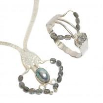 Set de bijuterii statement #Furculision | colier și brățară din argint cu anturaje de labradorit și perlă tahitiană | UNICAT 2018