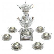 Excepțională garnitură persană din argint pentru servirea și prepararea ceaiului | atelier Reza Parvaresh | Isfahan | Iran cca. 1955