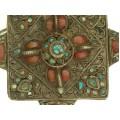RAR : Vechi colier tibetan cu impozantă amuletă Mandala -Visvavarjra | argint & metal comun | turcoaz & coral natural | Buthan | secol XIX