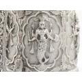 Cană burmeză din argint decorată cu zeități din panteonul hindus | manufactură | 1880 -1891  British Burma