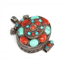 Veche amuletă cu relicvar budist | Ghau | argint, coral & turcoaz natural | Nepal