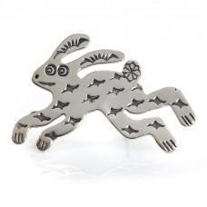 Inedită broșă modernistă amerindiană stilizată sub forma unei amulete Rabbit   atelier Carolyn Pollack