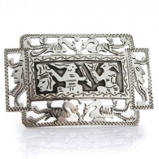 Broșă guatemaleză decorată cu scrieri logosilabice mayașe | manufactură în argint | cca. 1950