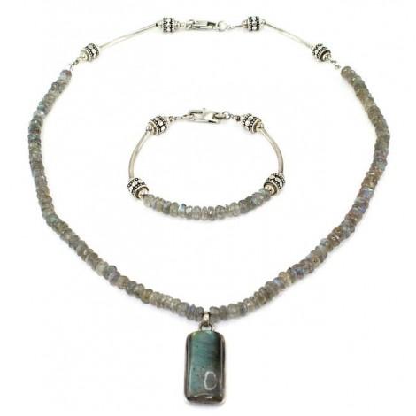 Set de bijuterii din argint cu labradorit natural   colier și brățară   Canada anii 2000