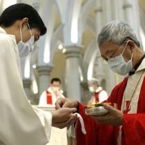 ℹ️ Episcop catolic în apropierea Sărbătorilor pascale - Pandemia SARS 2003