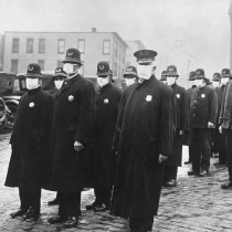 #pandemiadecultura ℹ Polițiști purtând măști de protecție - gripa spaniolă, Seattle, 1918