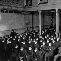 #pandemiadecultura ℹ Soldați vizionând un film în timpul pandemiei de gripă spaniolă | Franța | 1918-1919