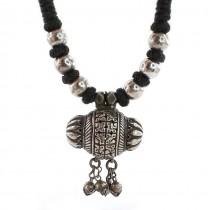 Vechi colier etnic indo-persan accesorizat cu amuletă Tawiz | argint si bumbac | Rajastan