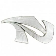 Broșă mid-century scandinavă inedit stilizată sub forma literei R | argint emailat pe fond gravat guilloche | atelier Ivar T. Holt | Norvegia cca. 1960