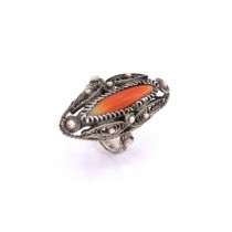 Vechi inel amerindian din argint filigranat și decorat cu spin de stridie Spondylidae | Statele Unite