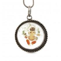 Colier din argint accesorizat cu o inedită amuletă Ganesha | cuarț alb sculptat și pictat manual | India