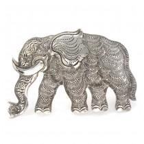 Broşă statement din argint stilizată sub forma unui elefant splendid decorat prin gravare manuală | Italia