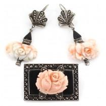 Spledid set de bijuterii Art Deco din argint decorat cu anturaje de coral natural sculptat sub forma unor flori de trandafir