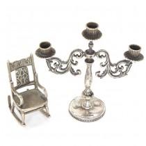 Miniaturi din argint pentru casa păpușilor