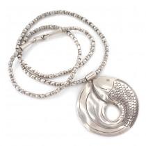 Colier etnic Karen Hill Tribe accesorizat cu o amuletă asociată fertilității  | Pește | manufactură în argint | Thailanda