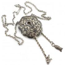 Vechi colier otoman accesorizat cu o inedită amuletă de castitate | manufactură în argint | Turcia cca. 1900