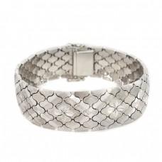 Elegantă brățară mesh din argint gravat & rodinat   atribuită atelierului UnoAErre   cca.1980