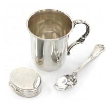 Garnitură din argint penru botez :  ceașcă, linguriță & cutiuță pentru moț | cca.1970
