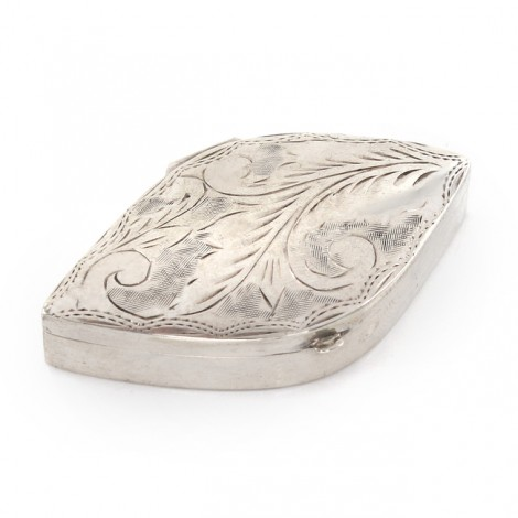Cutiuță din argint pentru medicamente decorată prin gravare manuală   Marea Britanie