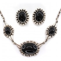 Set bijuterii orientale moderniste din argint & onix negru natural | atelier Sezgin | colier & cercei clips | Turcia cca.1970