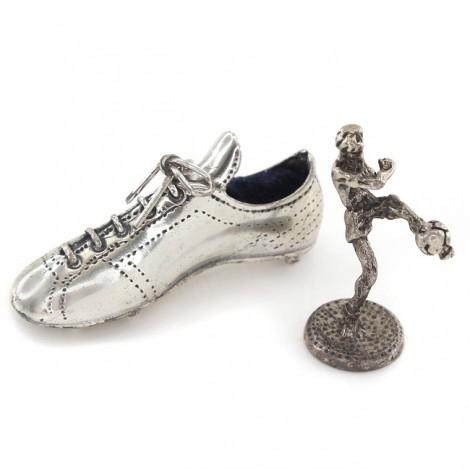 Miniaturi din argint cu tematică fotbalistică   Gheată de fotbal & jucător de fotbal   Italia