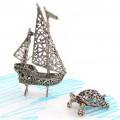 Miniaturi din argint cu tematică marină: velier si țestoasă