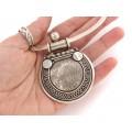 Choker din argint accesorizat cu o impresionantă amuletă hindusă   Yoni   India - Rajasthan