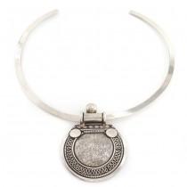 Choker din argint accesorizat cu o impresionantă amuletă hindusă | Yoni | India - Rajasthan