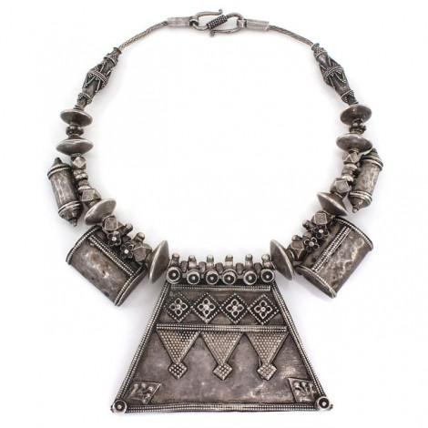 Vechi colier etnic indo-persan accesorizat cu amulete tawiz | manufactură în argint | Afganistan