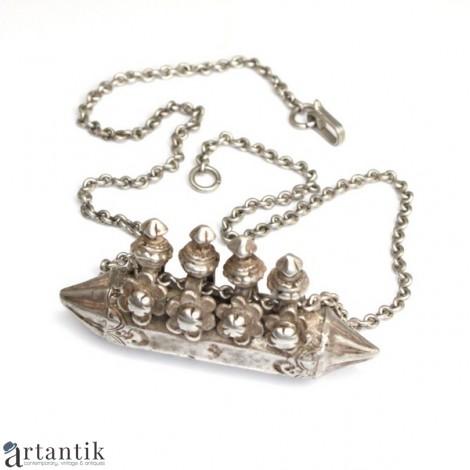 Vechi colier tribal cu amuletă Tawiz - argint - cca 1900 - Afganistan